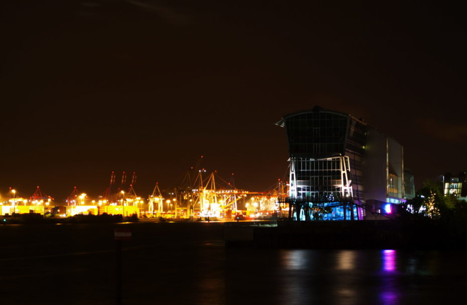 Hafen Gebäude Nacht Wasser Kräne