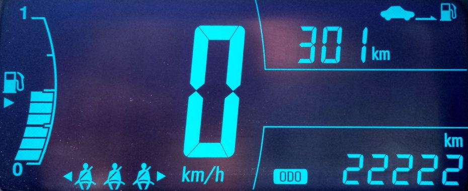 Tacho mit 22222km in blau